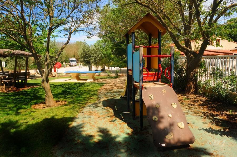 Camping l'Arlesienne - Aire de jeux